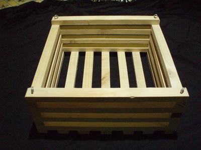 Košík dřevěný (25 x 25cm) - 2